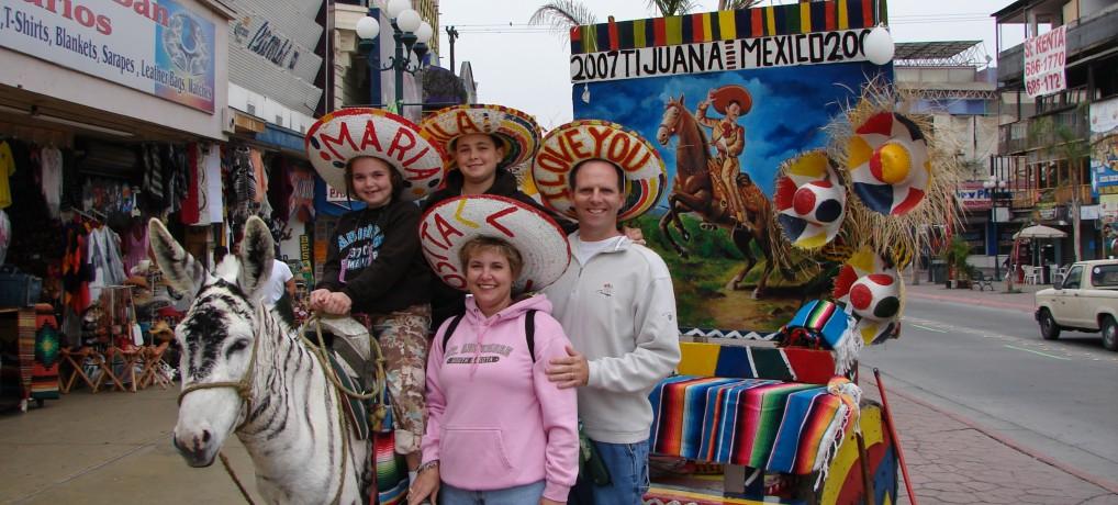 2007.11.01 Crossing the Border to Tijuana