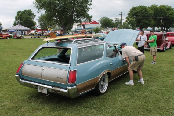 Oldsmobile Vista Cruiser.  This classic was getting checked out.
